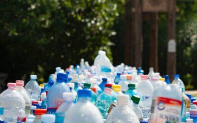 Verbod op wegwerpplastic vanaf 2021